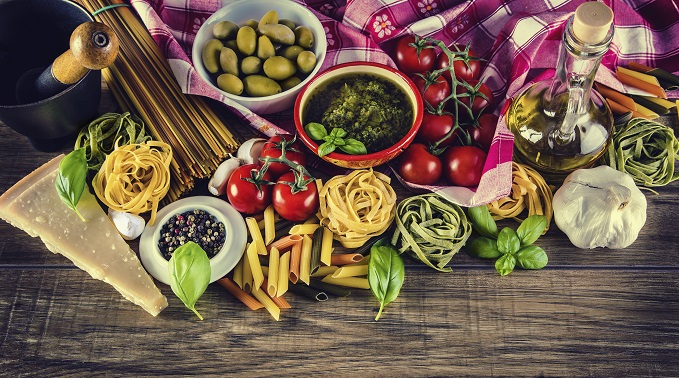 5 Ways to Eat Like You're on Vacation (in the Mediterranean)