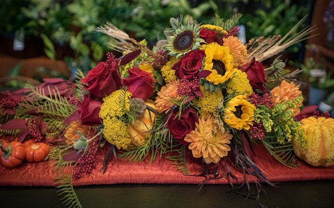 How to Make a Thanksgiving Centerpiece with Harmons Floral